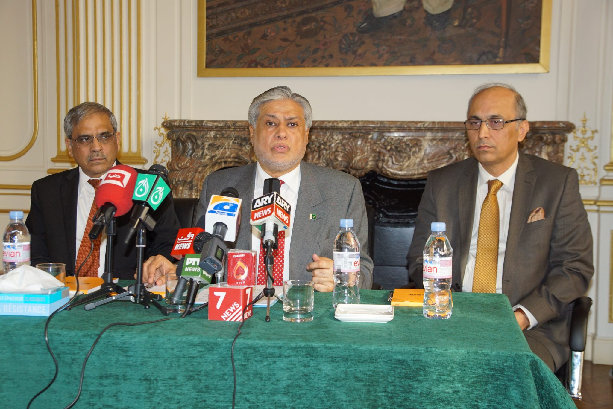 senator-mohammad-ishaq-dar-federal-minister-for-finance-and-economic-affairs-of-pakistan-is-interacted-with-french-and-pakistani-media-in-embassy-of-pakistan-9th-december-2016
