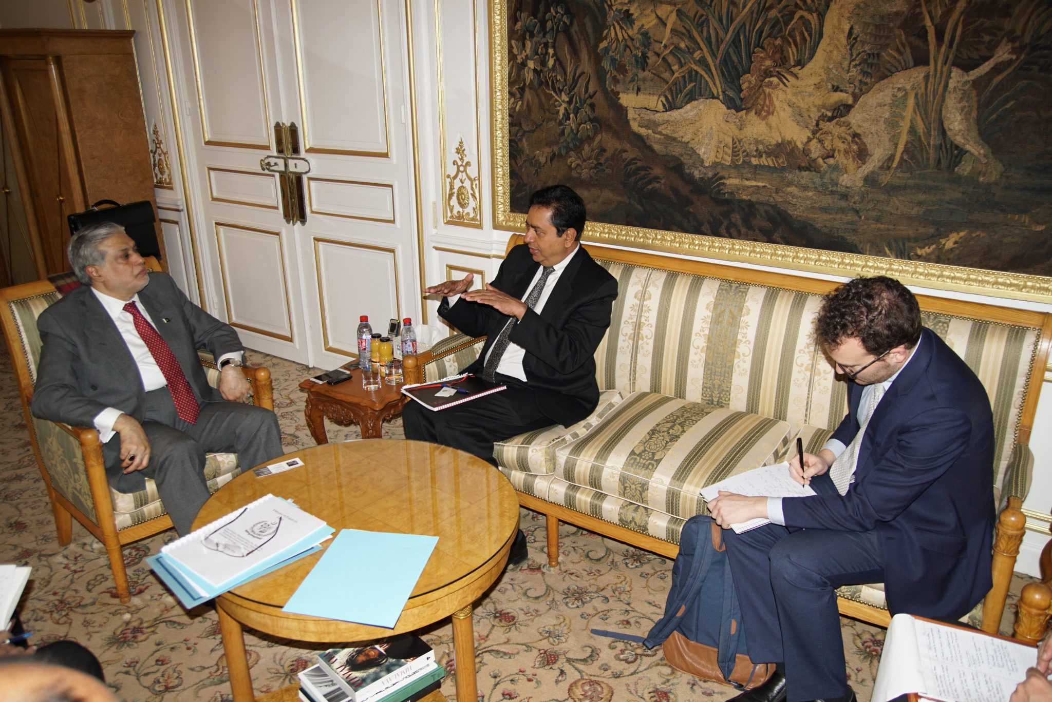 the-finance-minister-meets-with-mr-sanjay-pradhan-ceo-open-government-partnership-who-called-on-him-the-embassy-of-pakistan-paris-today-9th-dec-2016